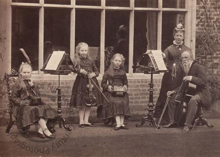 A family of musicians