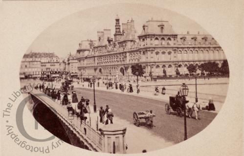 Hôtel de Villeand Pont d'Arcole