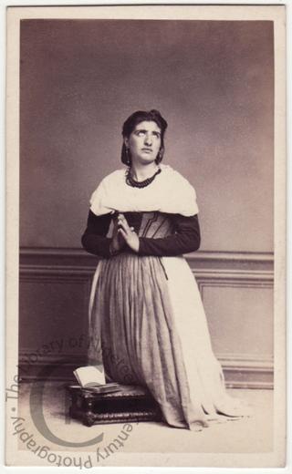 Neapolitan woman at prayer