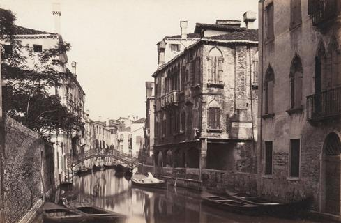 Canal Santi Apostoli