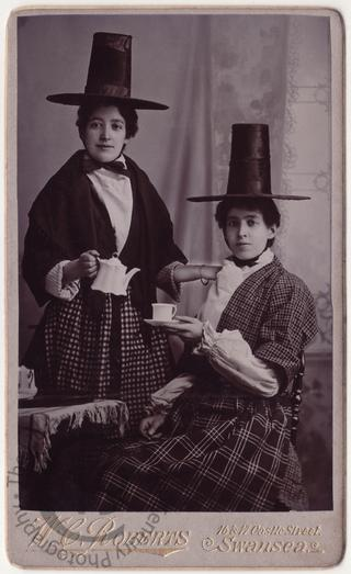 Welsh girls taking tea