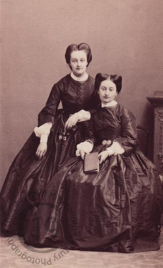 Louise and Berthe d'Estouilly