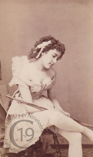 Mlle Julia Hache