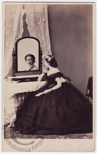 Miss Nina Bradshaw